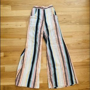 Striped wide legged pants with pockets